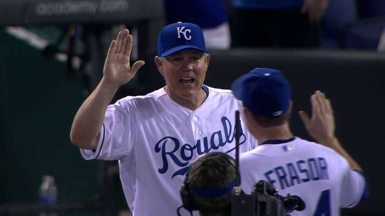 Yost ties Herzog with 410th managerial win