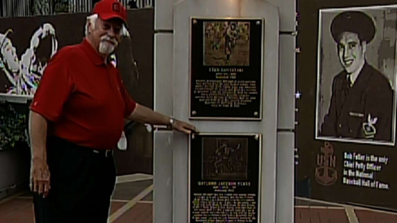 Perry inducted into Indians HOF