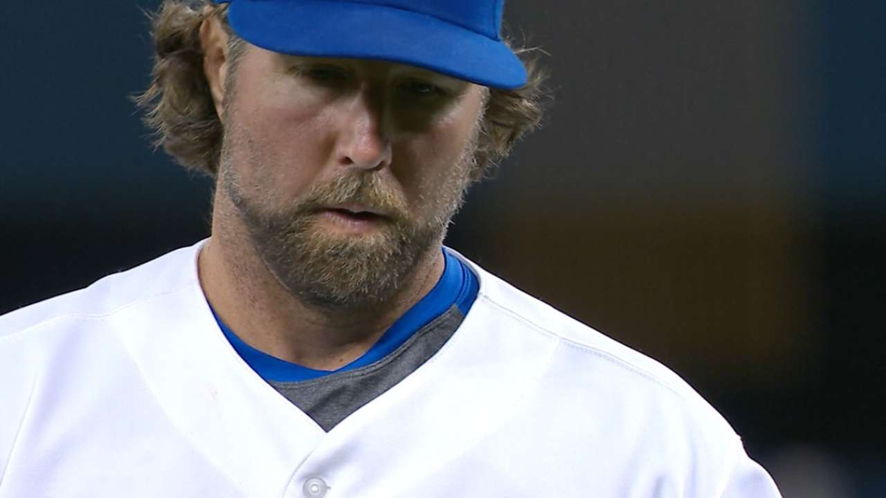 Dickey's dominant outing