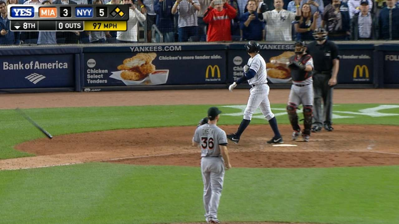 Dyson walks A-Rod in the 8th
