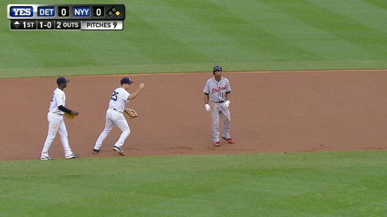 Warren picks off Gose