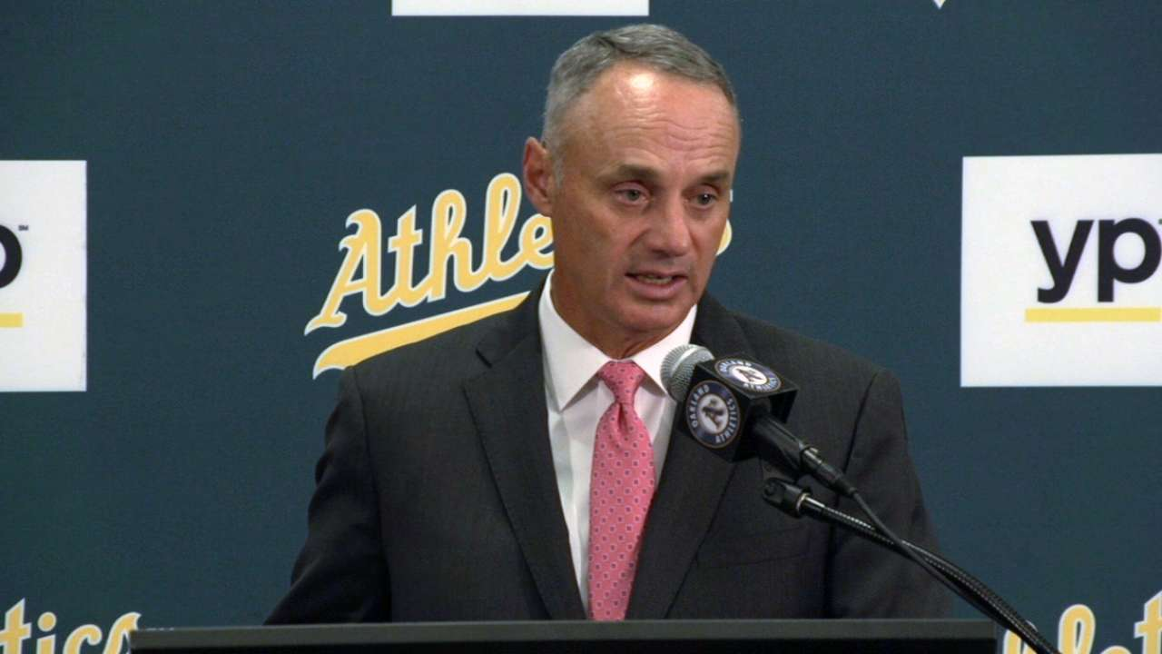 Manfred hopes for new stadium in Oakland