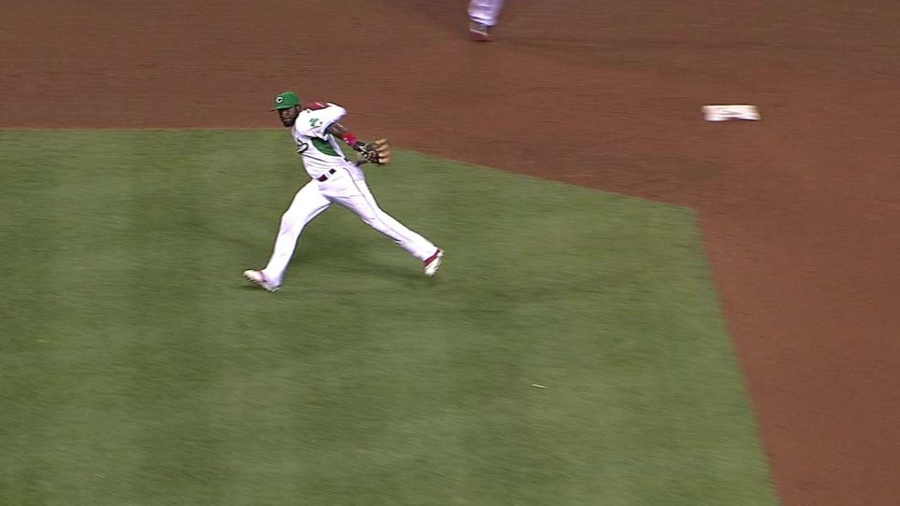 Phillips' barehanded play