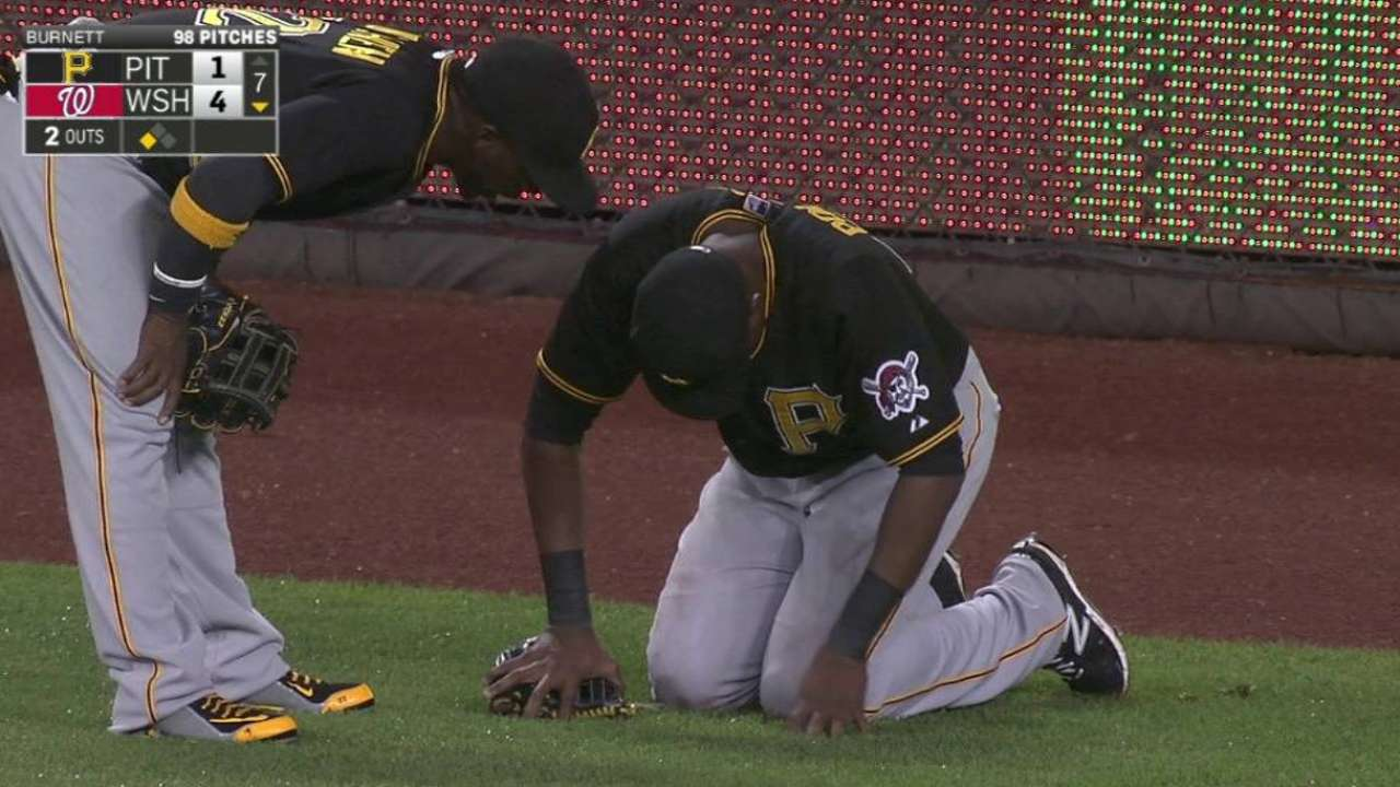 Polanco leaves game after injury