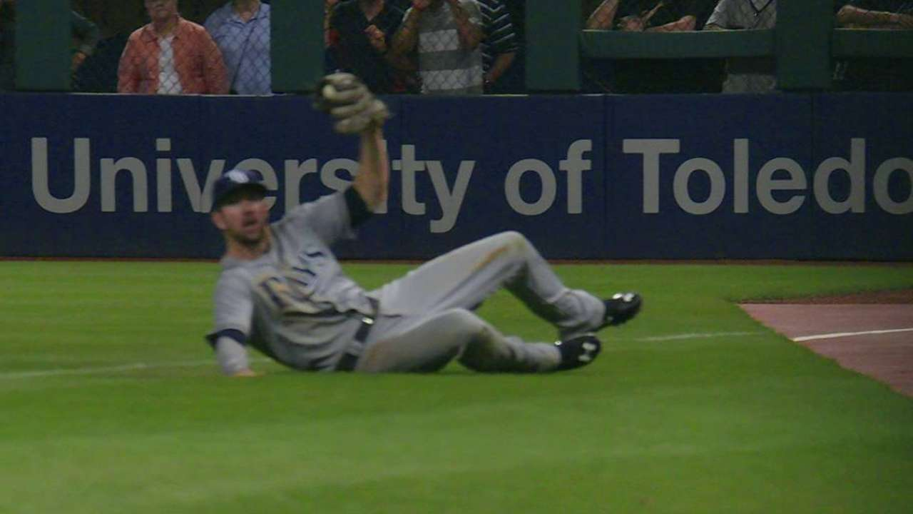 Souza Jr. makes catch, turns two