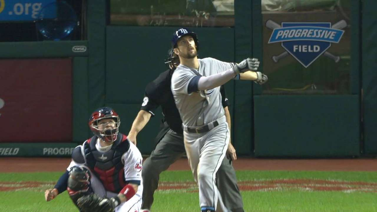 Souza puts finishing touches on Rays' victory