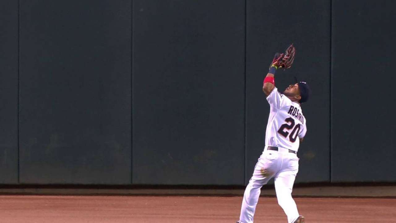 Twins to 'mix and match' in CF due to injuries