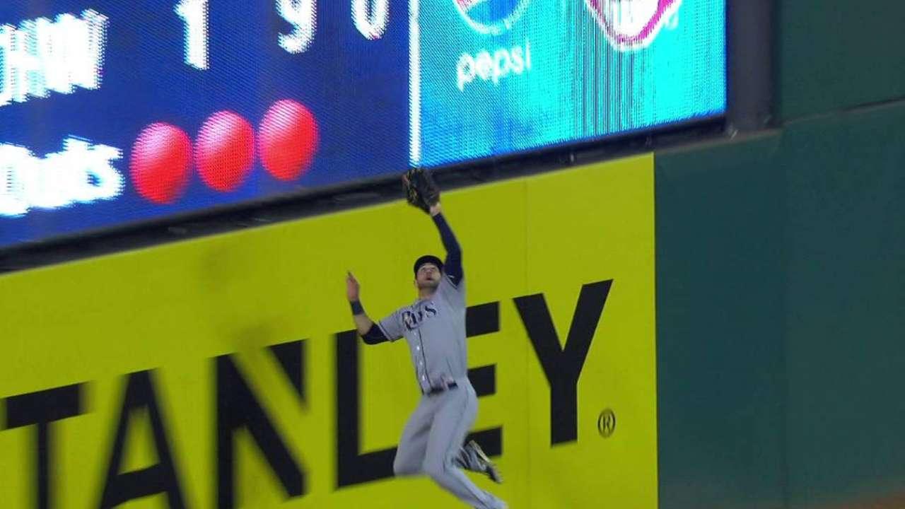Kiermaier's leaping catch