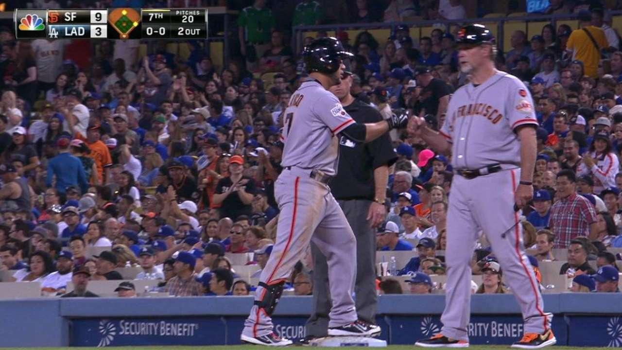 Buster's slam has Giants on Dodgers' heels