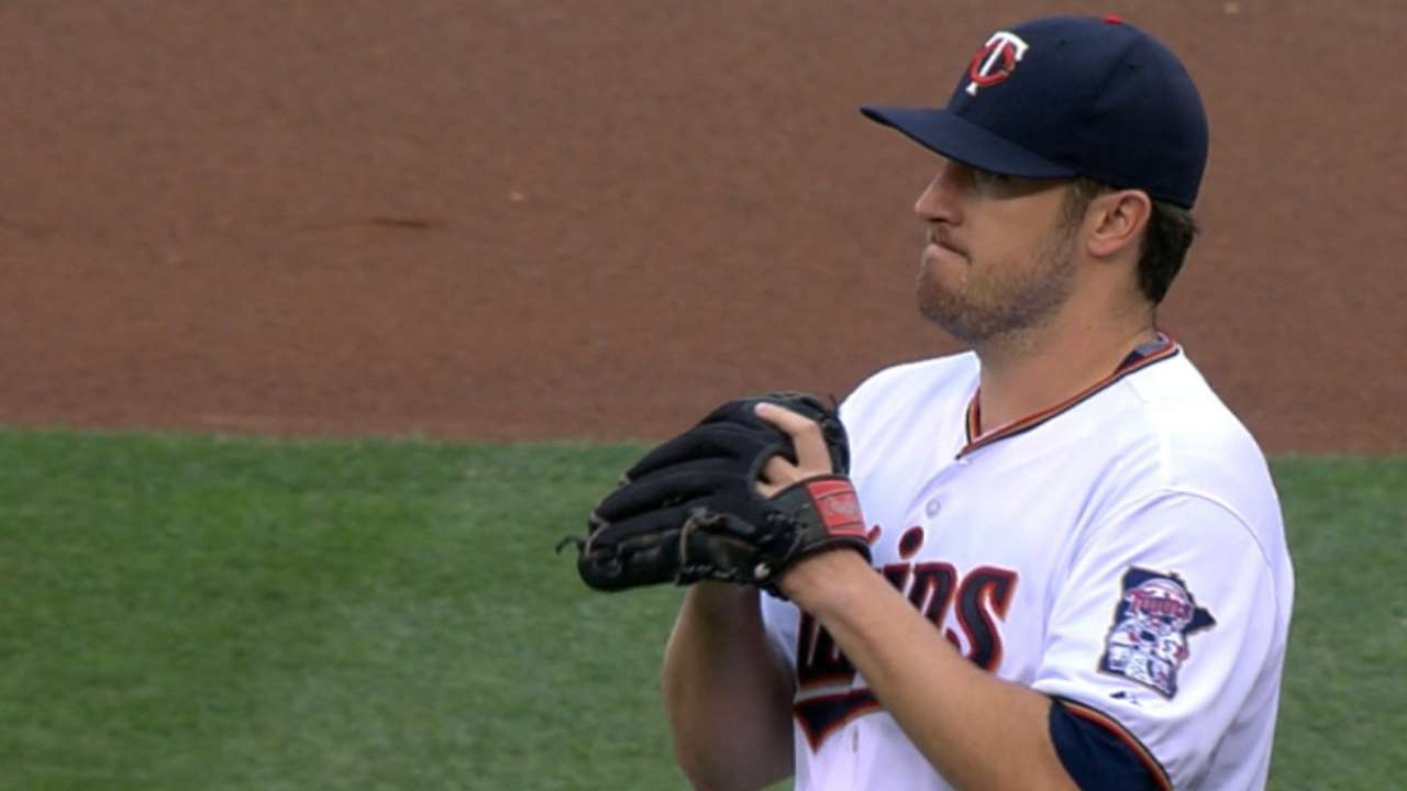 Hughes dominates Cubs as Twins roll