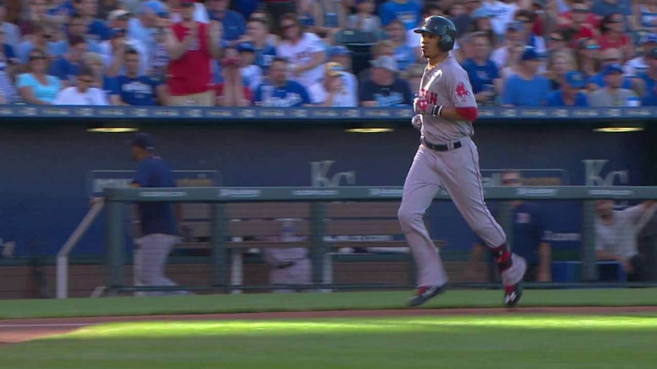 Betts' bat continues to be bright spot for Sox