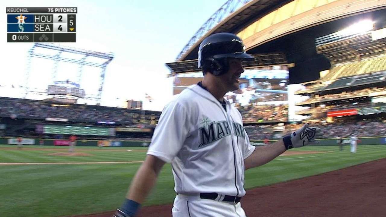 Smith's solo home run
