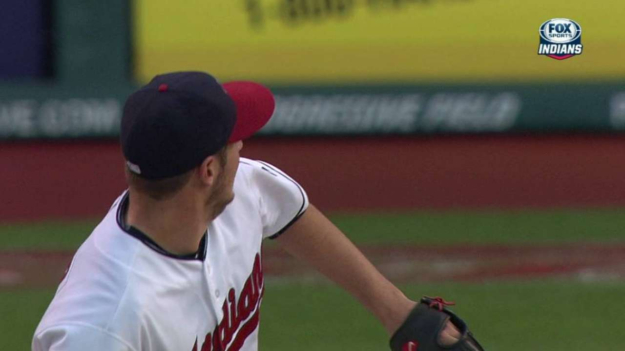 Bauer can't wiggle out of trouble in early exit