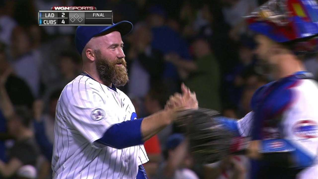Motte earns the save