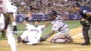 1998 ASG: O'Neill throws out Vina at home