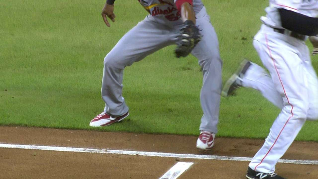 Urena sprints by the tag