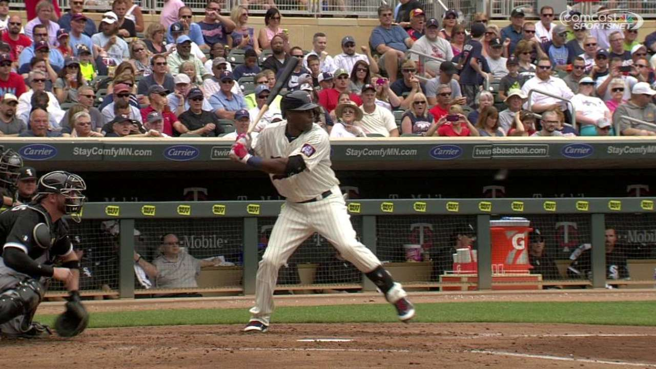 Hughes outduels Sale as Twins top Sox