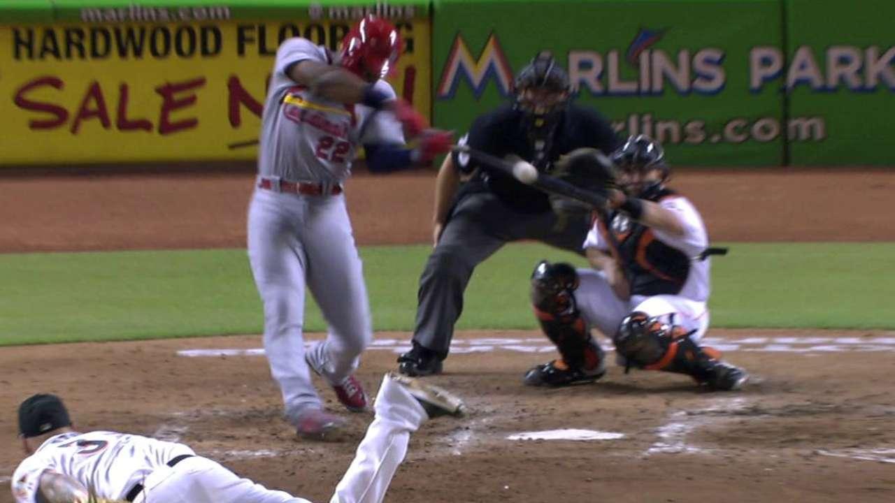Heyward hits three-run shot