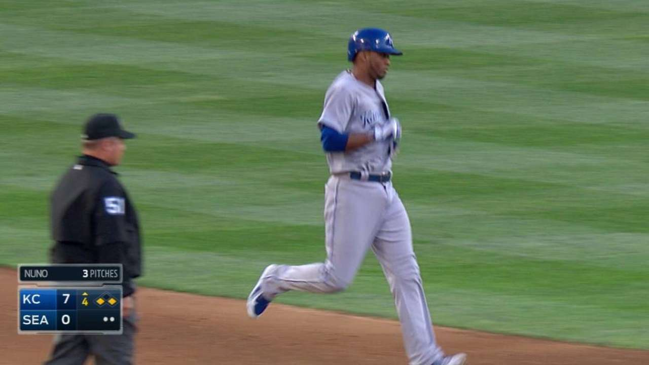 Escobar a late scratch due to split nail bed