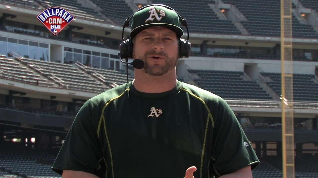 Stephen Vogt joins MLB Central