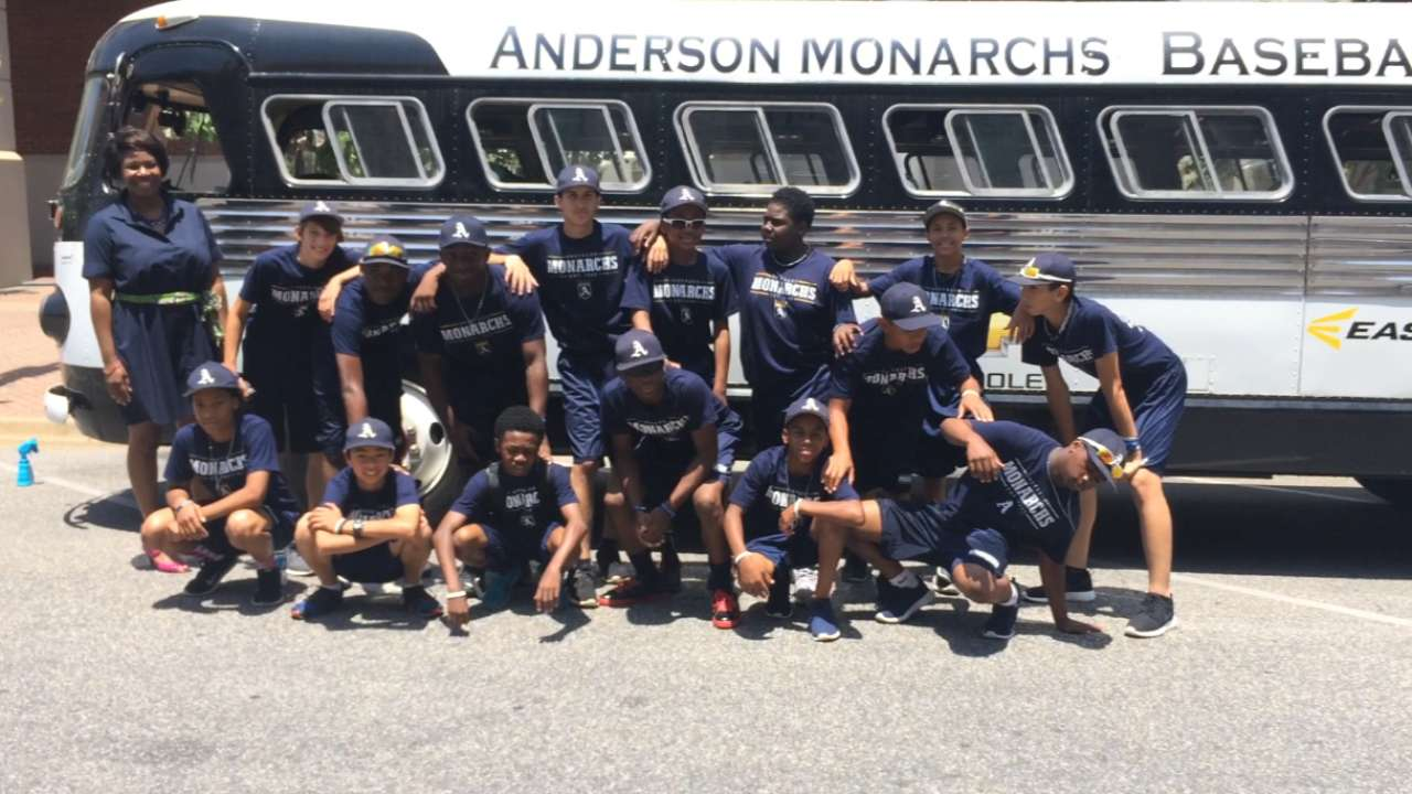 Old-school bus historically significant to Monarchs
