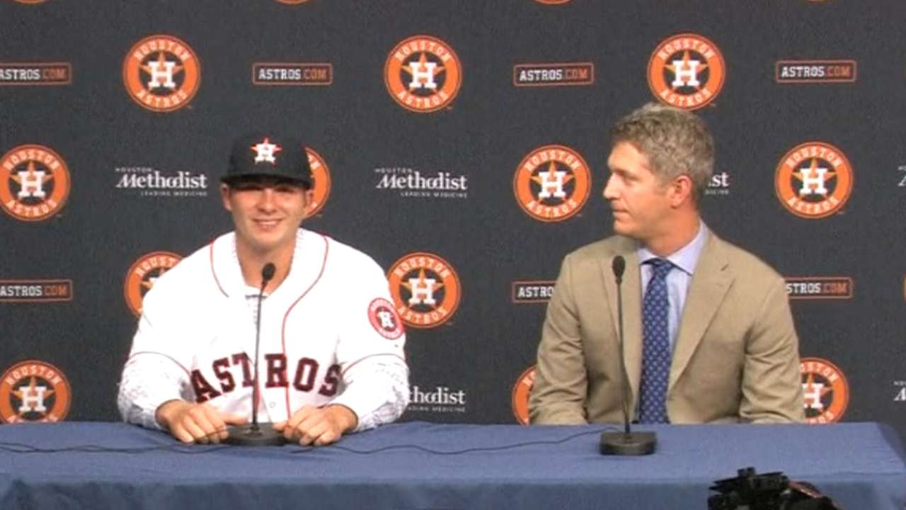 Astros sign 3rd-round Draft pick Ferrell