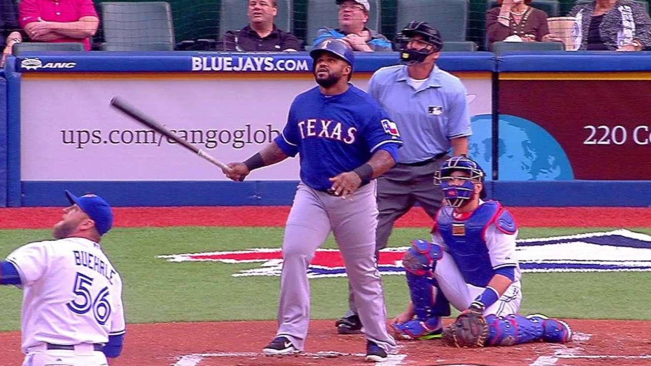 Fielder crushes homer No. 300