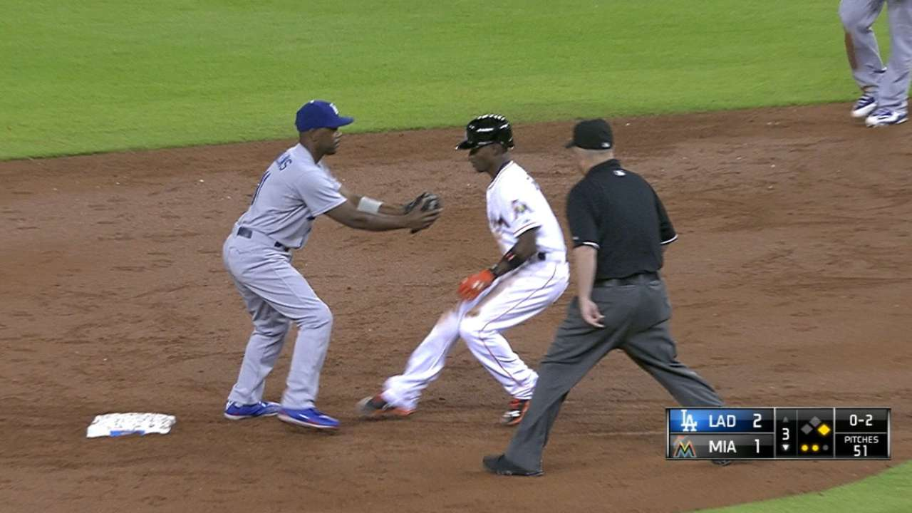 Anderson picks off two in 3rd