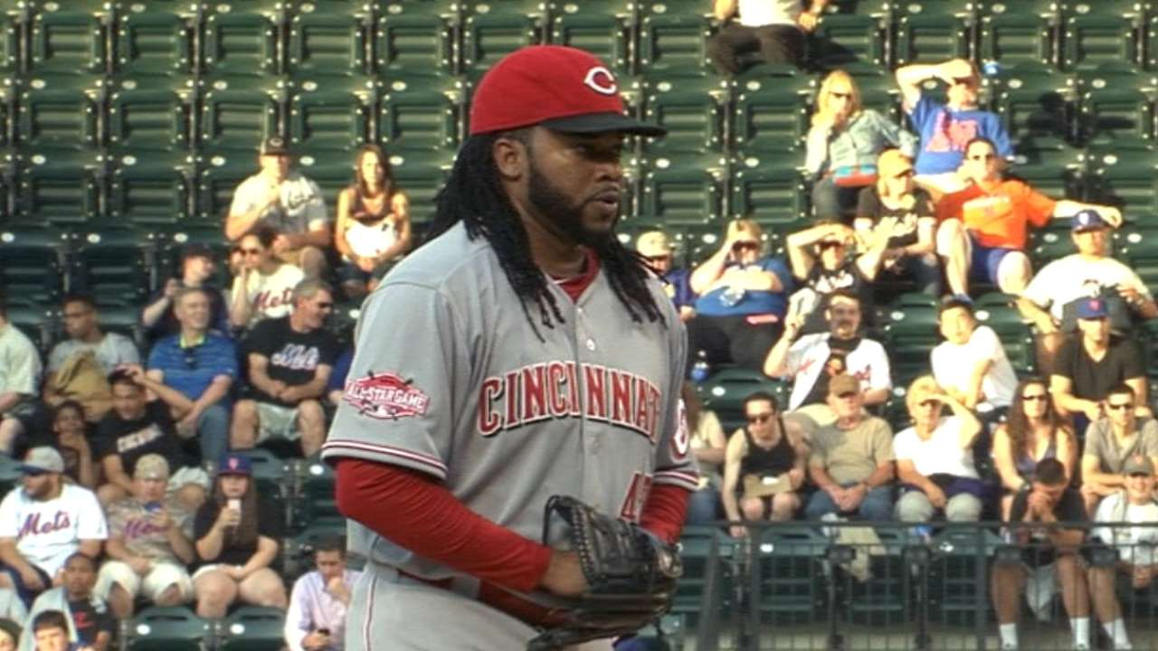 Rare bout of wildness costs Cueto vs. Mets