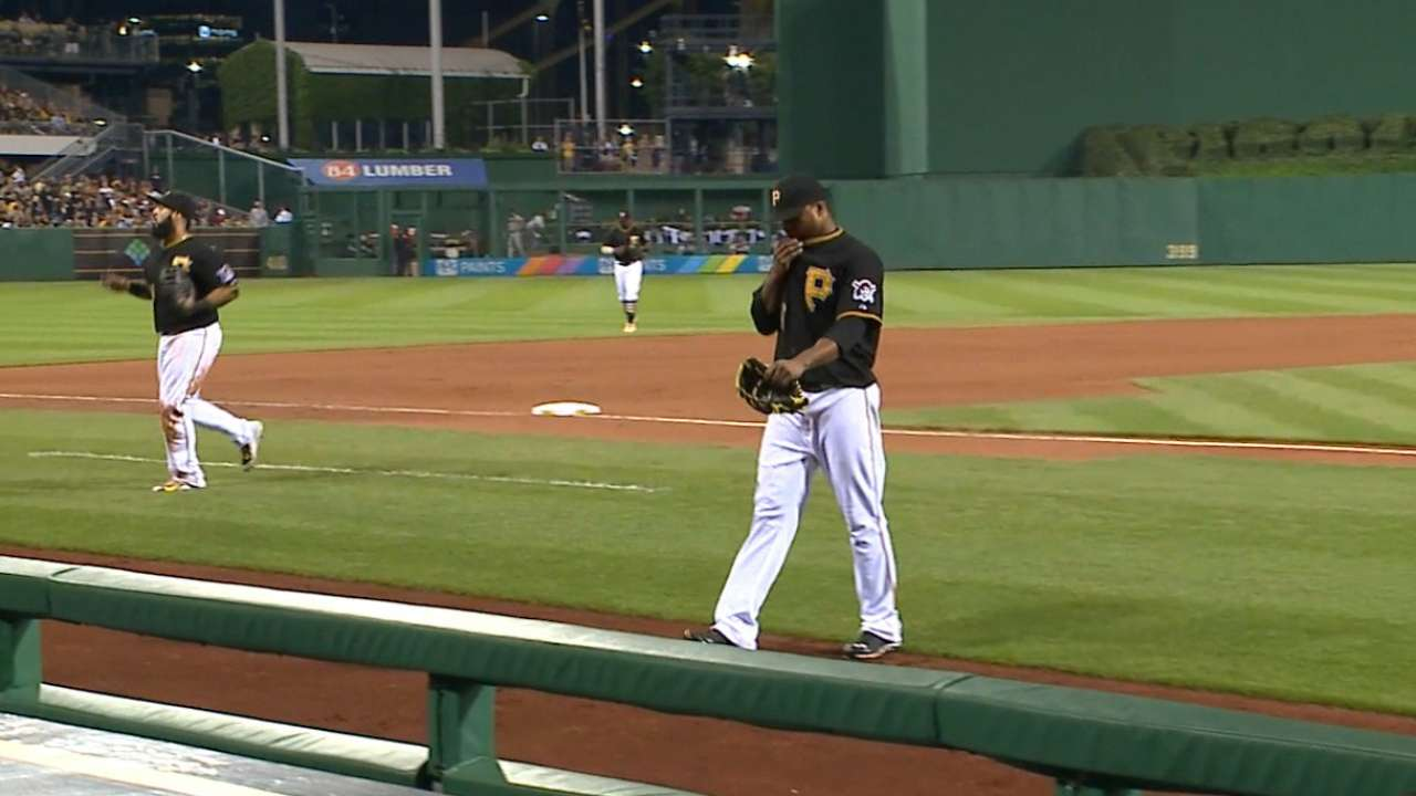 Liriano settles down for solid game vs. Braves