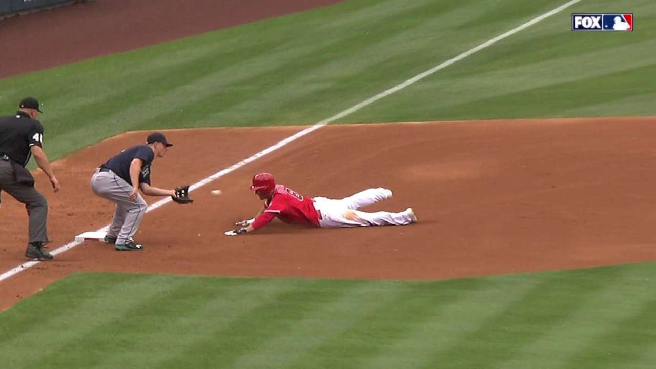 Trumbo nabs Freese at third