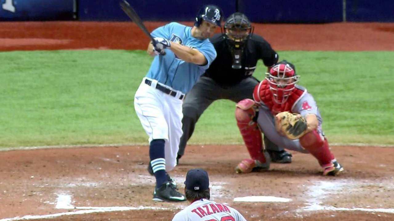 Sizemore has three hits in Rays' debut