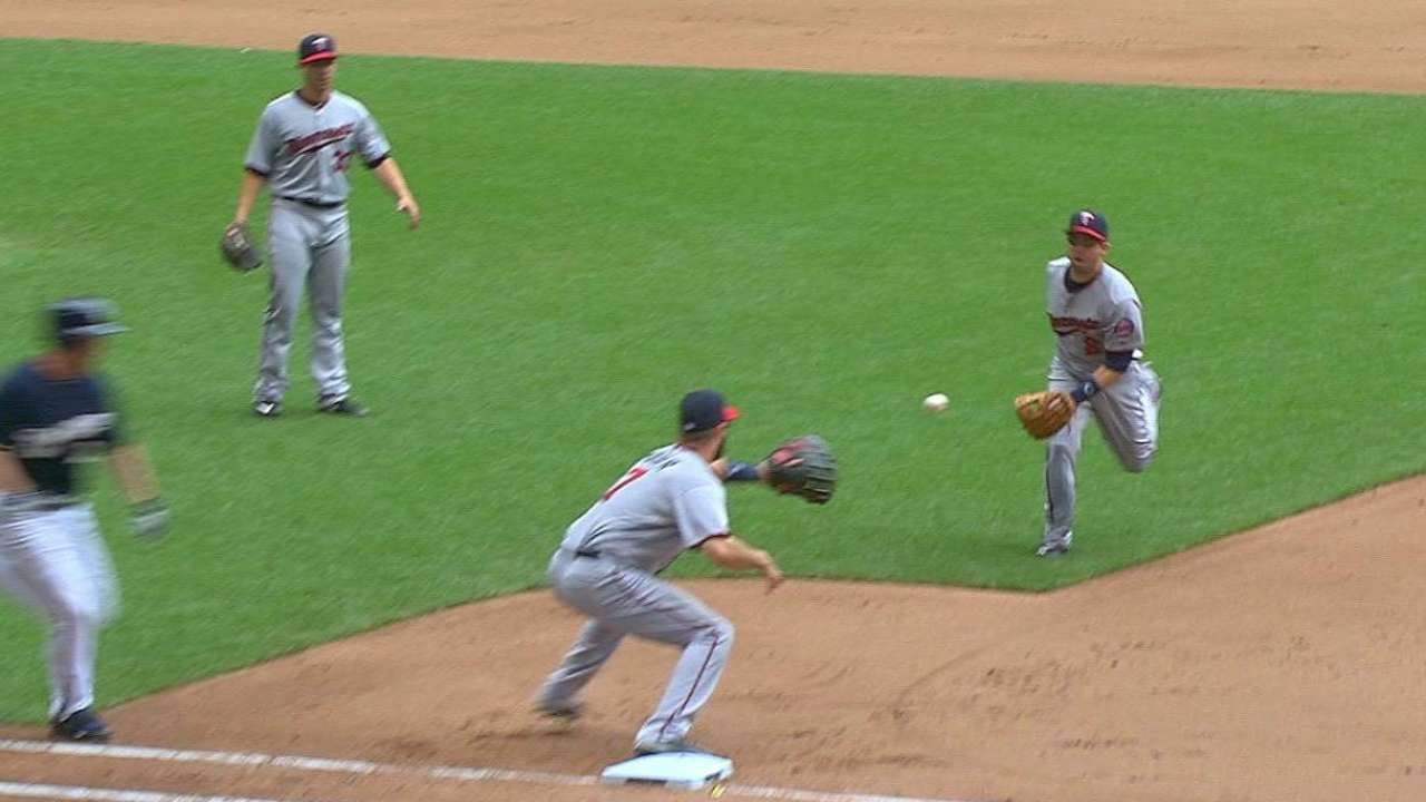 Dozier's glove flip