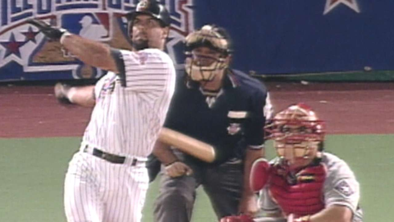 Caminiti homers in the 6th
