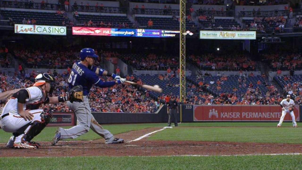 Moreland, Chirinos guiaron a Rangers sobre Orioles