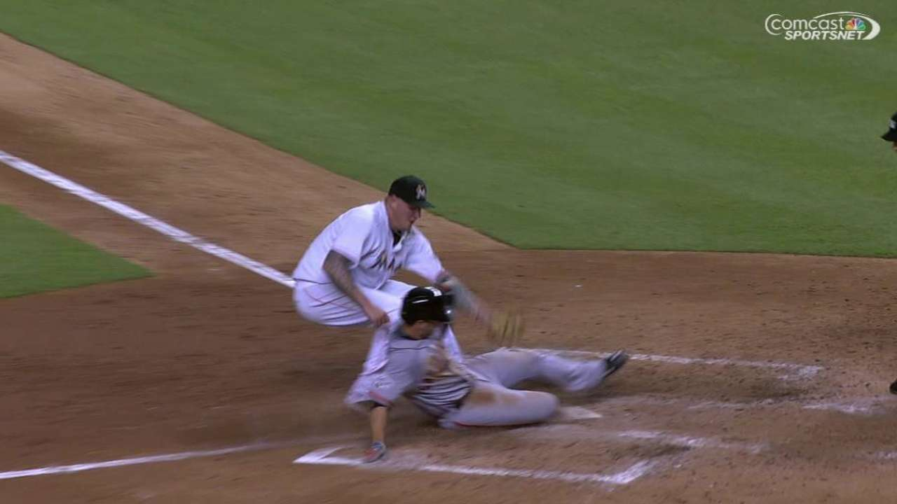 Posey scores on wild pitch