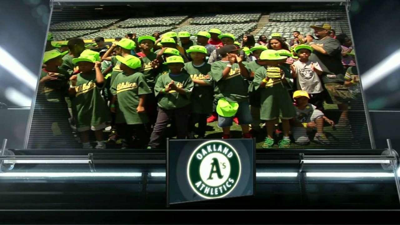 Graveman talks math and baseball with kids