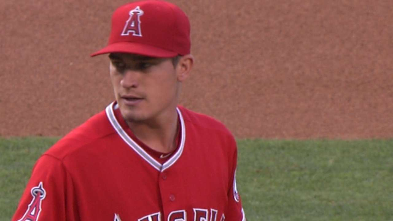 Heaney earns first MLB win