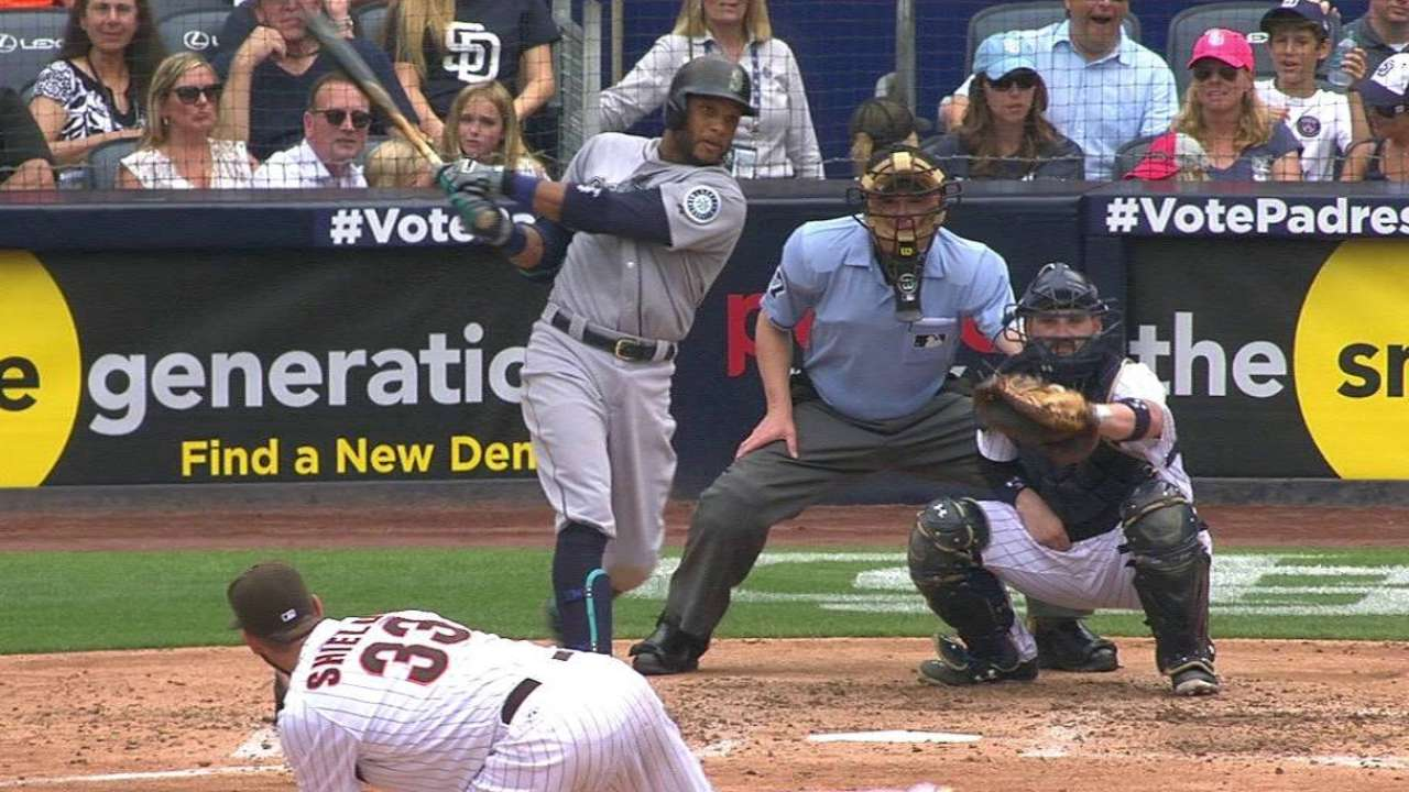 Cano's big game, Walker shut down Padres