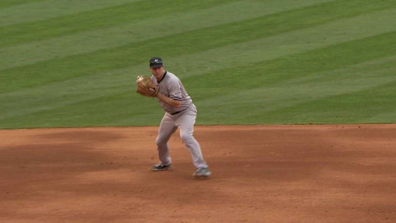 Tex's pick helps Yanks head home on high note