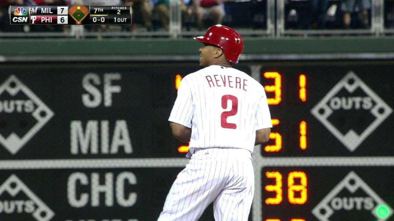 Revere dealing with mild right hamstring soreness