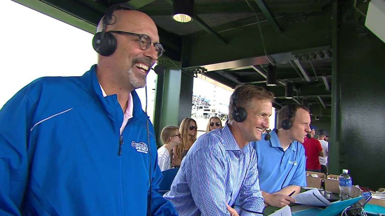 Cubs bring Hot Doug's to Wrigley Field