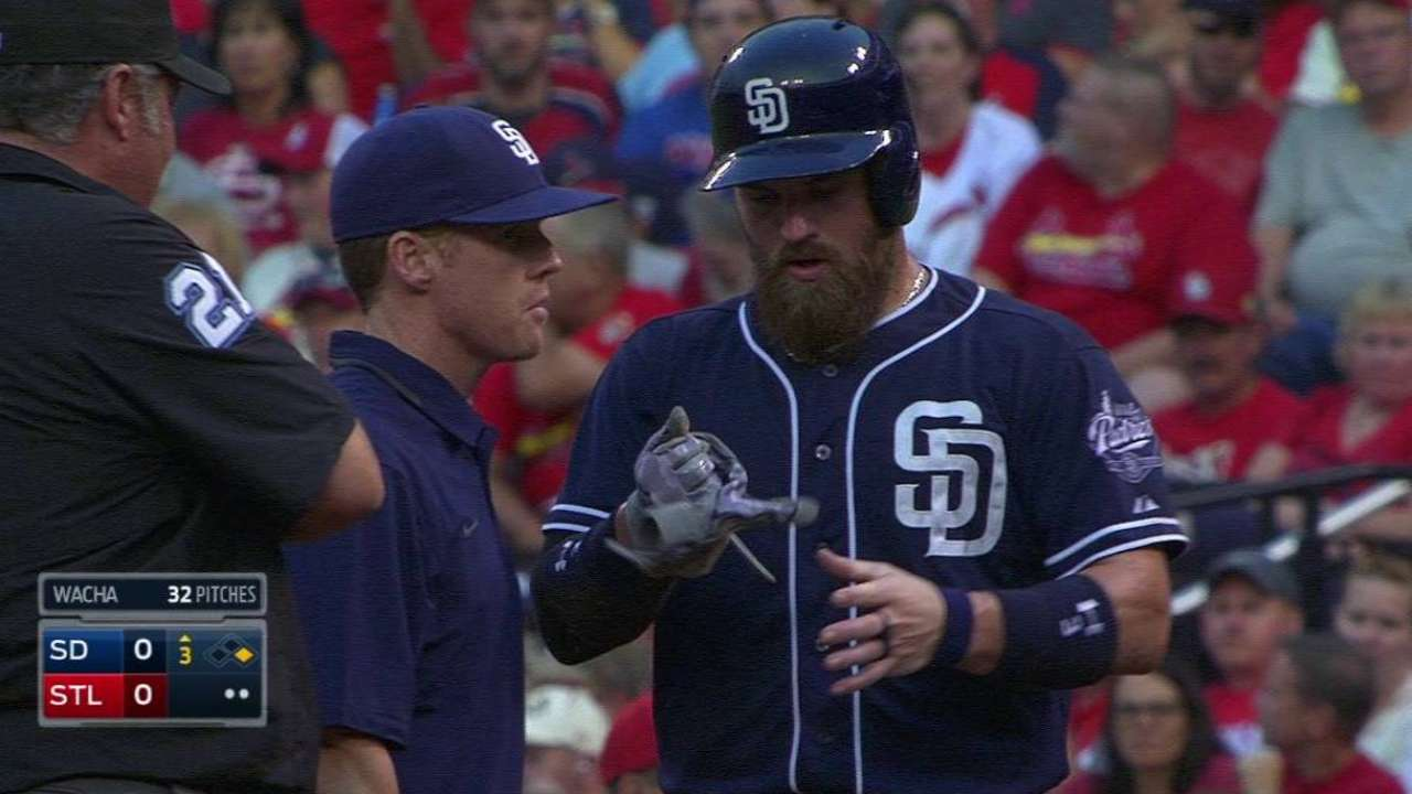 Norris playing with shoulder sprain after collision