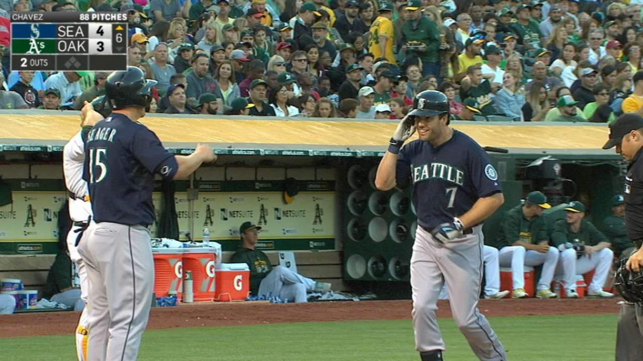 Mariners crush four homers to sink A's