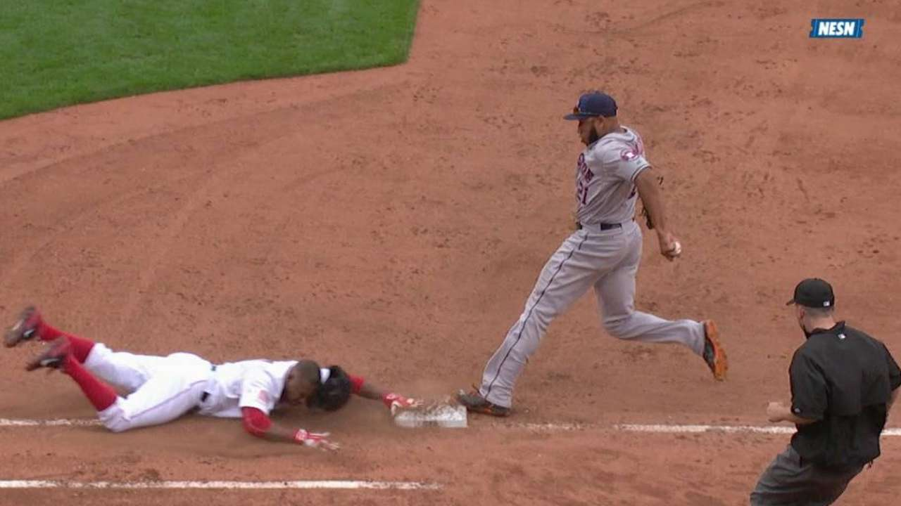 De Aza confirmed safe at first