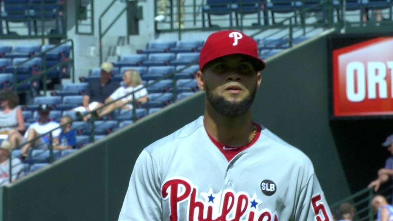 Garcia ends 9th-inning jam