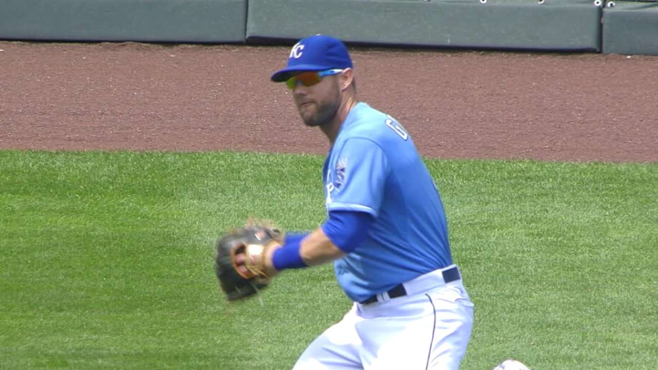 Gordon good as Gold with catches against Twins