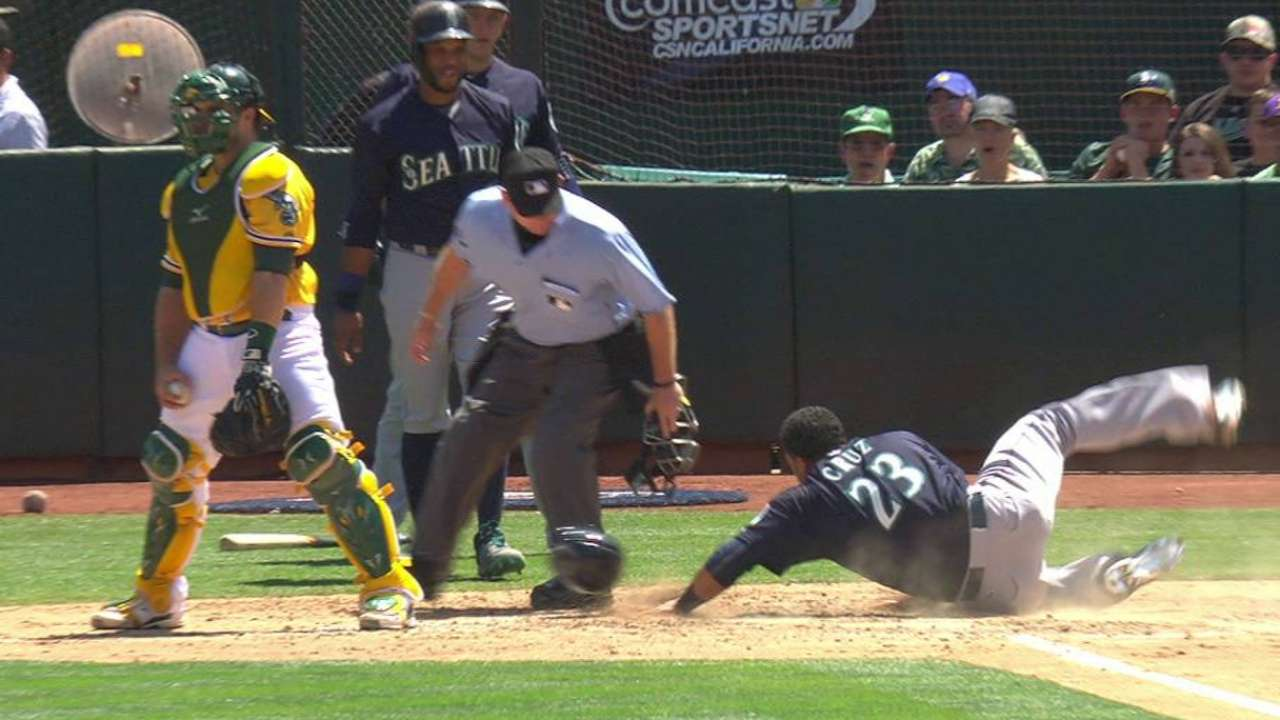 Smith's RBIs give Mariners a lift over A's