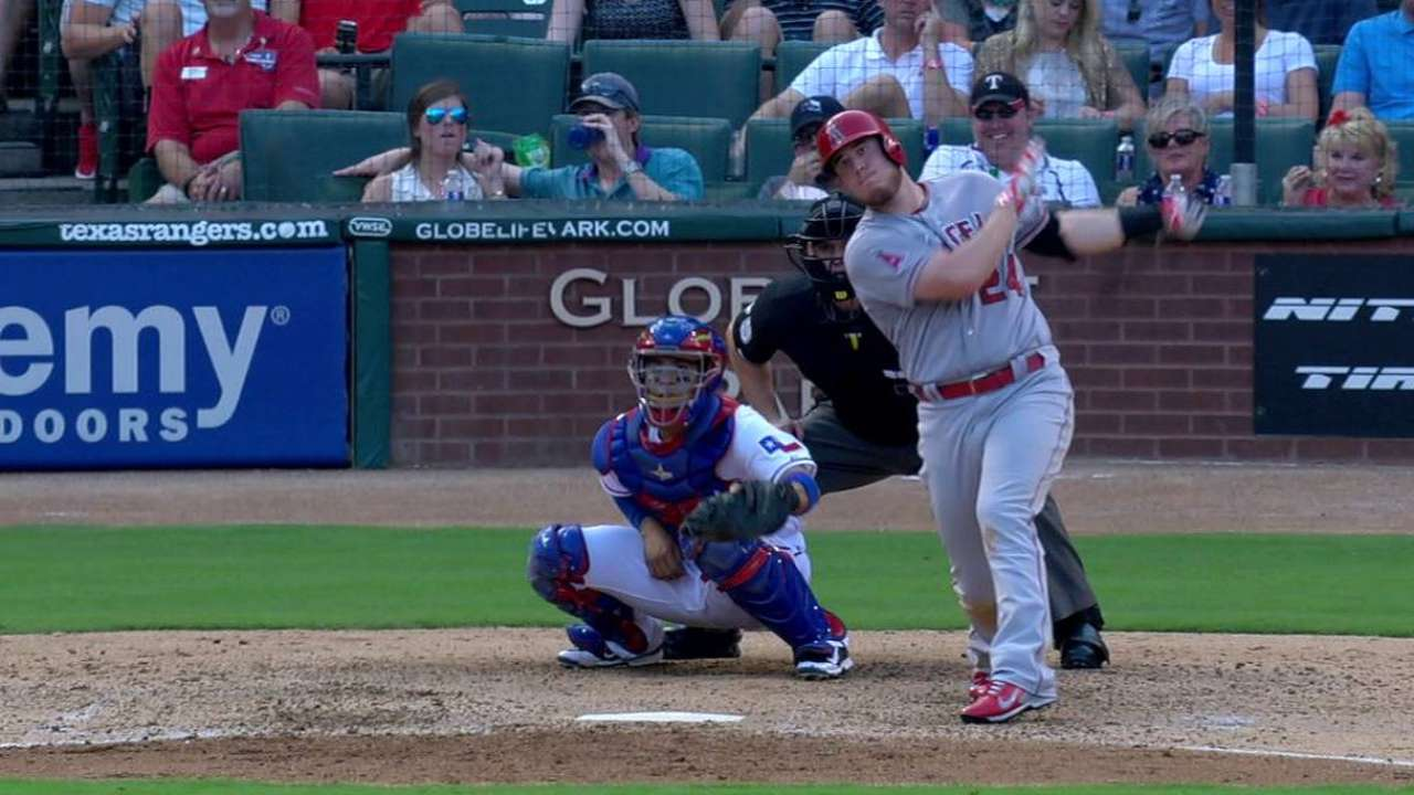 Cron's big weekend keys Angels' win streak