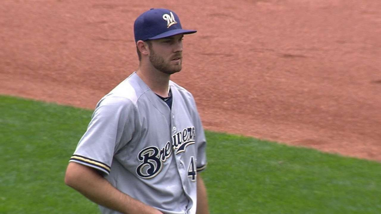 Brewers win 8th straight, sweep Reds